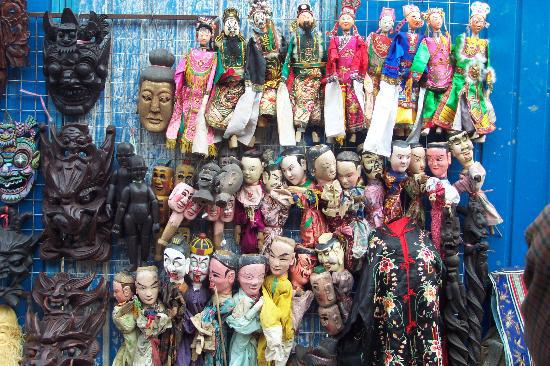puppets-for-sale-at-the